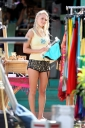 48122-annasophia-robb-on-soul-surfer-set-in-hawaii.jpg
