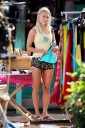 48275-annasophia-robb-on-soul-surfer-set-in-hawaii.jpg