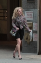 Preppie_AnnaSophia_Robb_on_The_Carrie_Diaries_in_New_York_City_7.jpg
