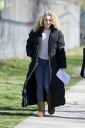 Preppie_AnnaSophia_Robb_on_The_Carrie_Diaries_set_in_Brooklyn_1.jpg