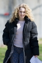 Preppie_AnnaSophia_Robb_on_The_Carrie_Diaries_set_in_Brooklyn_2.jpg