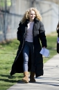 Preppie_AnnaSophia_Robb_on_The_Carrie_Diaries_set_in_Brooklyn_3.jpg