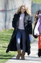 Preppie_AnnaSophia_Robb_on_The_Carrie_Diaries_set_in_Brooklyn_6.jpg