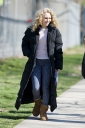 Preppie_AnnaSophia_Robb_on_The_Carrie_Diaries_set_in_Brooklyn_8.jpg
