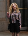 Preppie_AnnaSophia_Ronn_on_the_set_of_The_Carrie_Diaries_in_New_York_City_4.jpg
