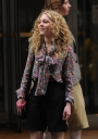 Preppie_AnnaSophia_Ronn_on_the_set_of_The_Carrie_Diaries_in_New_York_City_7.jpg