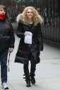 Preppie_Anna_Sophia_Robb_on_The_Carrie_Diaries_set_2-1.jpg