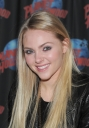 Tikipeter_AnnaSophia_Robb_visits_Planet_Hollywood_001.jpg