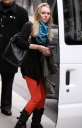 annasophia_robb_way_to_fitting_queens_16-03-2012_09-37_02.jpg